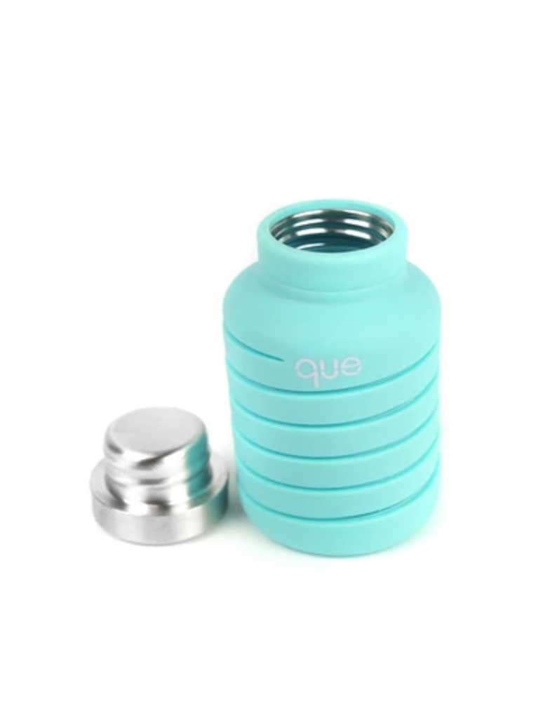 Que Collapsible Silicone 20oz Travel Water Bottle in Mint