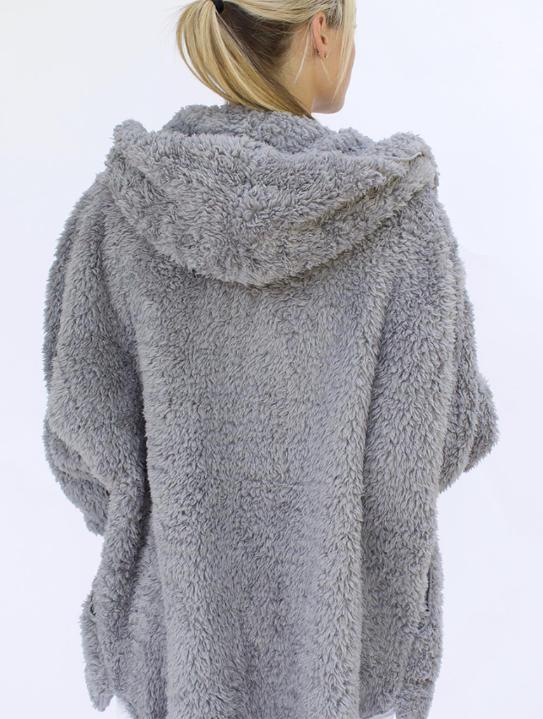 Nordic Beach Wrap Fuzzy Fleece Jacket in Grey Kitten