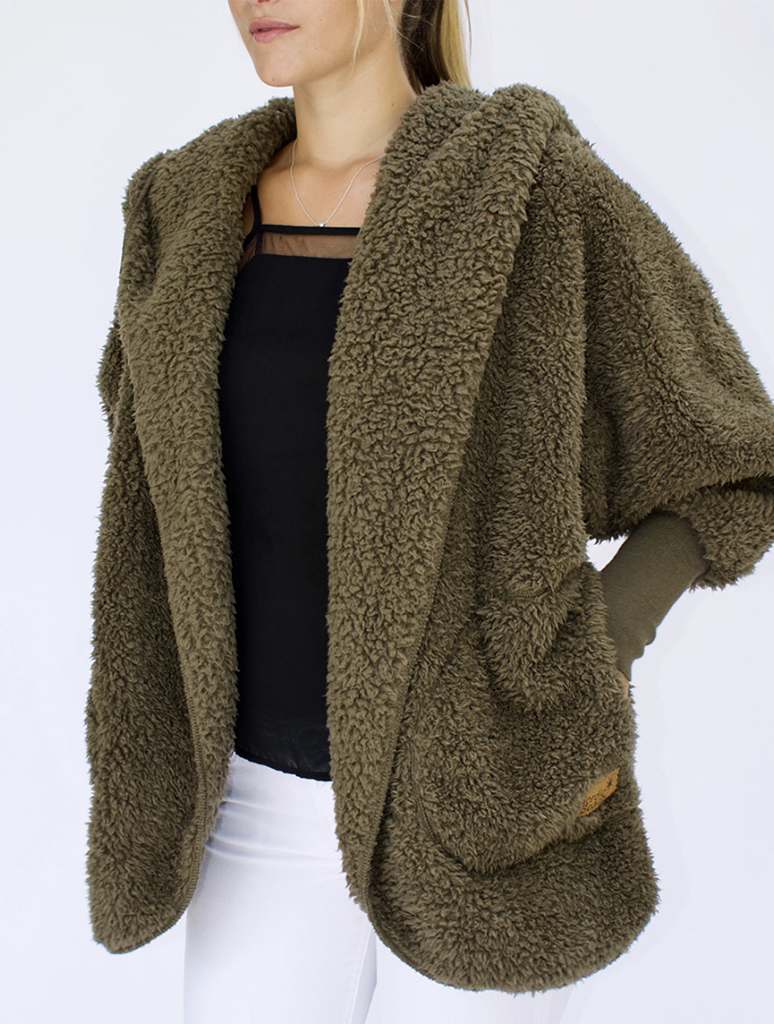 Nordic Beach Wrap Fuzzy Fleece Jacket in Olive U