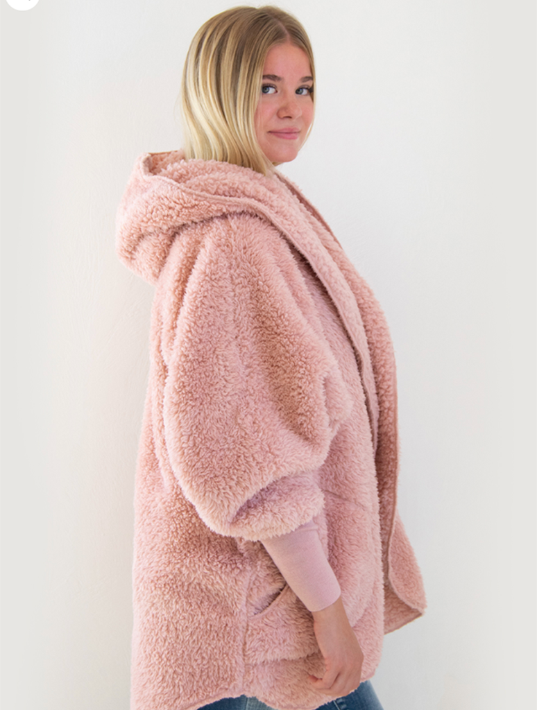 Nordic Beach Wrap Fuzzy Fleece Jacket in Blush Wine
