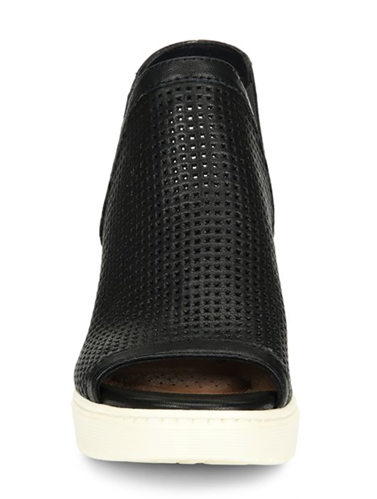 Sofft Basima Wedge Sandal in Black