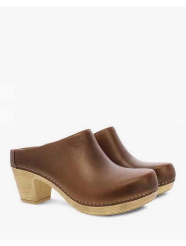 Blundstone 1677 Heel Boot in Rustic Brown