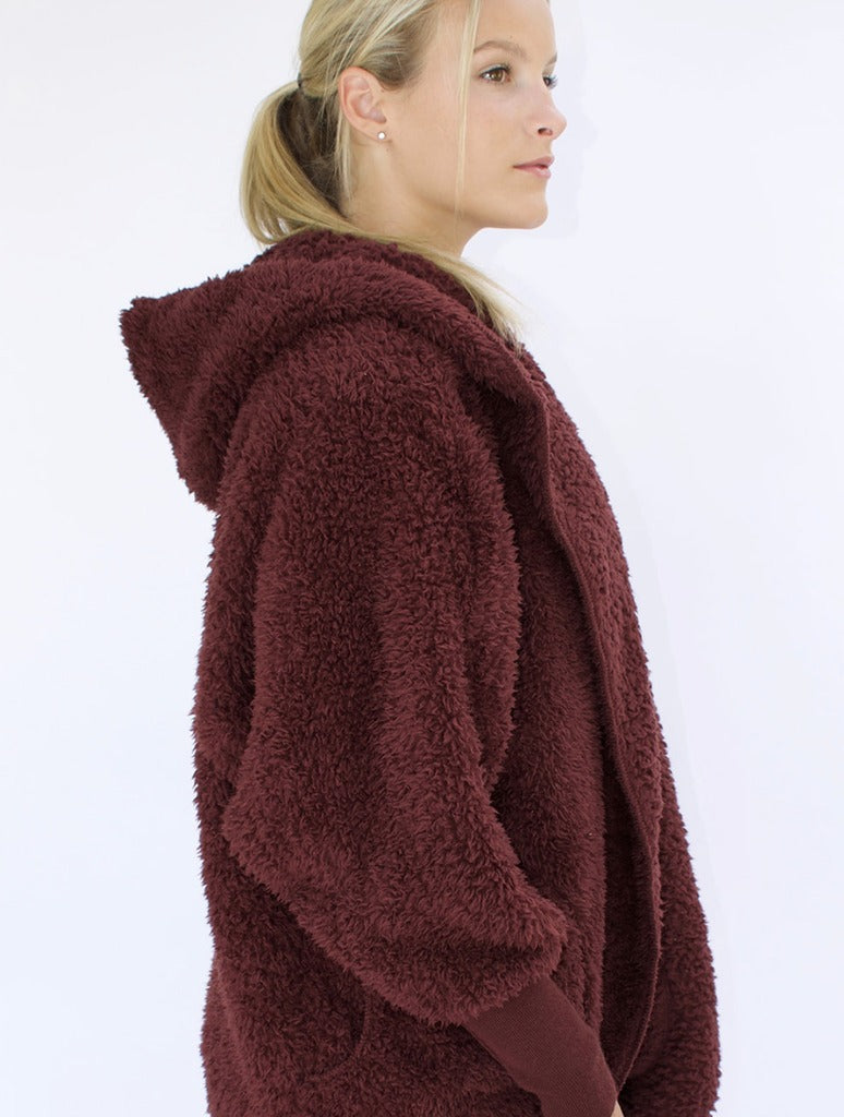 Nordic Beach Wrap in Chocolate Cherry