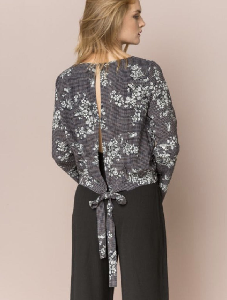 Hem & Thread Floral Blouse in Navy