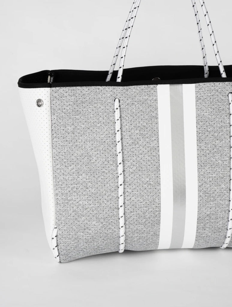 Haute Shore Greyson Aspen in Light Grey/Silver