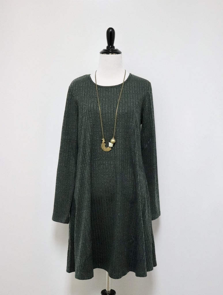 Papillon Ribbed Dress in Green