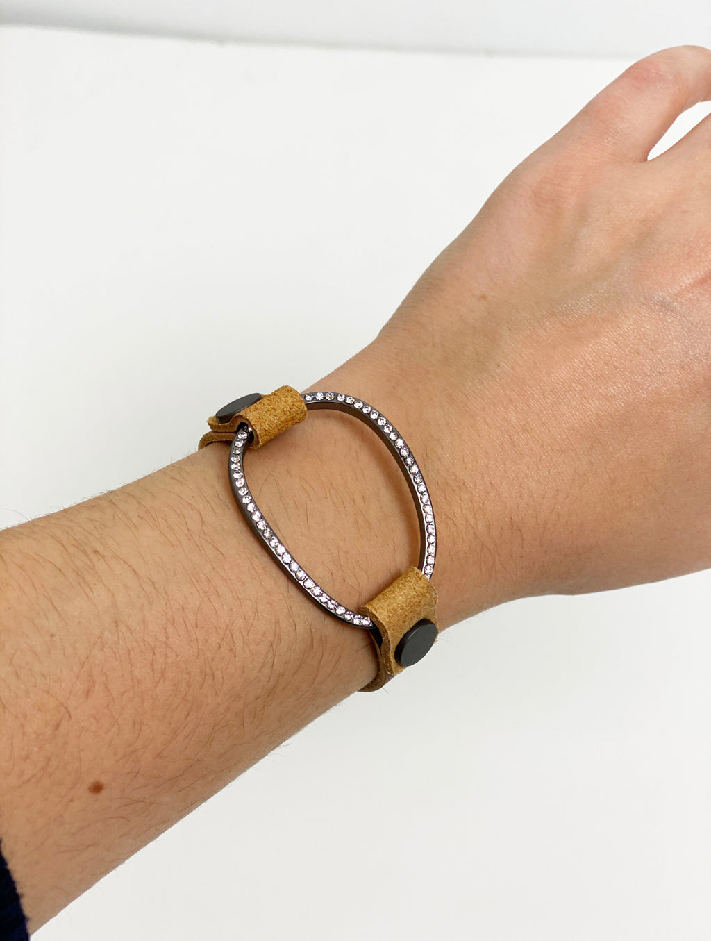 Joy Susan Leather Oval Bracelet in Camel