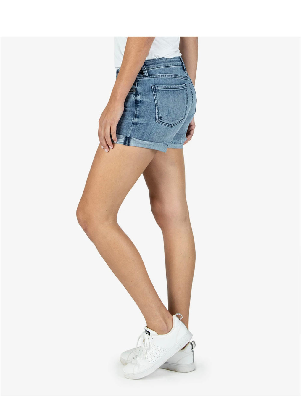 Kut Madeline Boyfriend Short in Research Wash