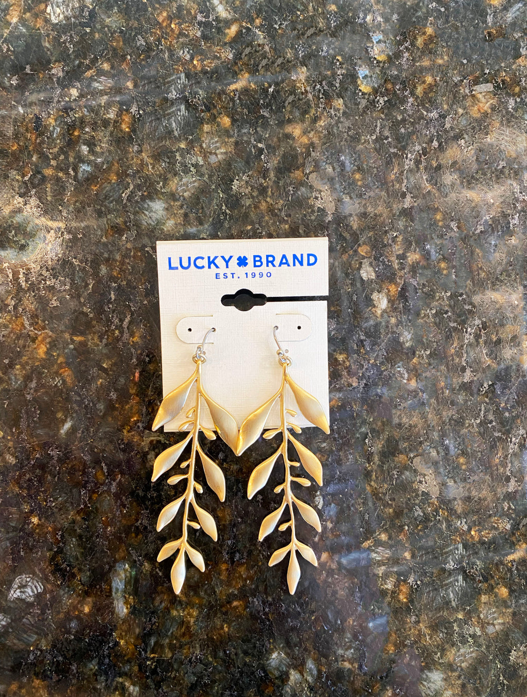 Lucky Brand Leafy Earring in Gold