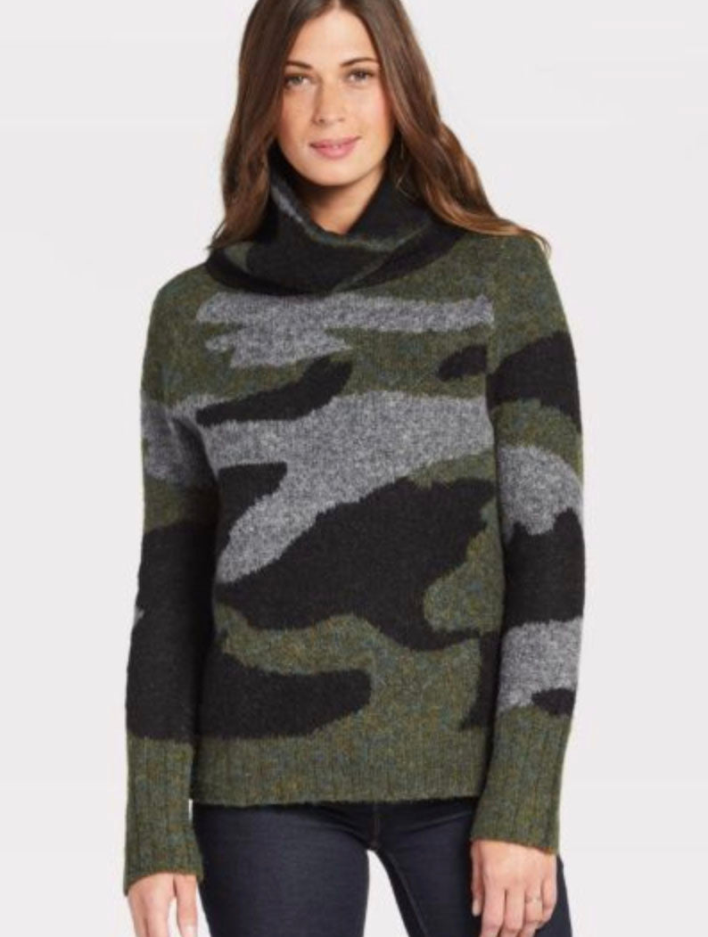 RD Style Turtle Neck Sweater in Camo