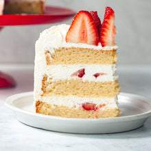 Load image into Gallery viewer, Strawberry Cream Cake