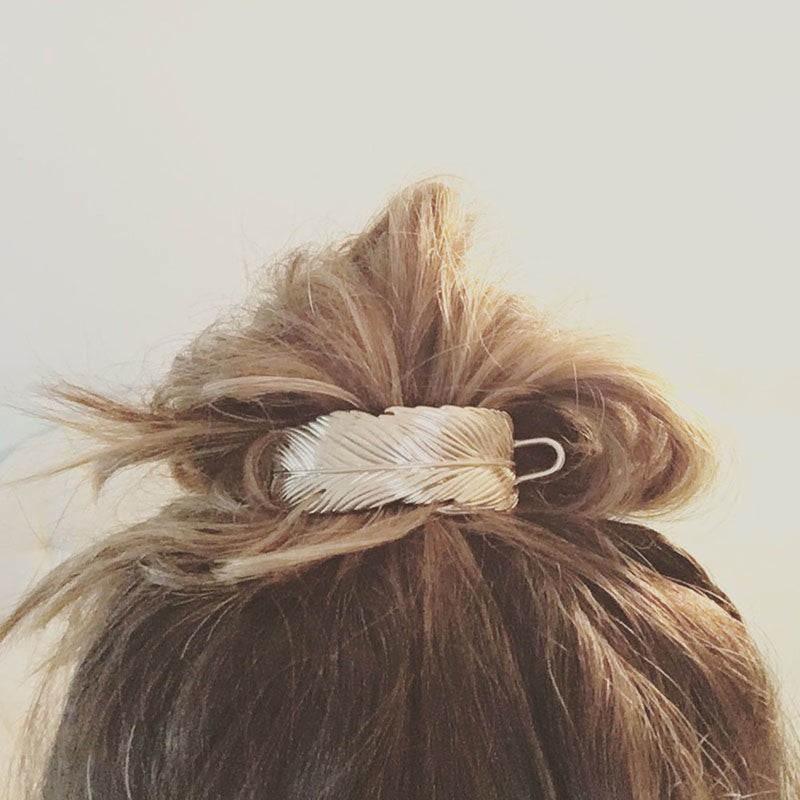 Lauren Feathered Messy Bun (Silver)