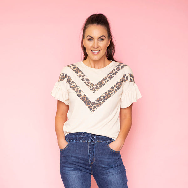 Cheever Chevron Ruffled Sleeve Top (Cream)