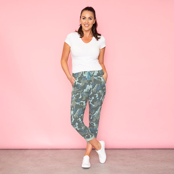 Sia Relaxed Stretch Jogger (Camo)