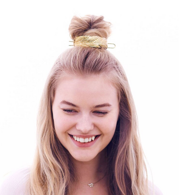 Lauren Feathered Messy Bun (Gold)