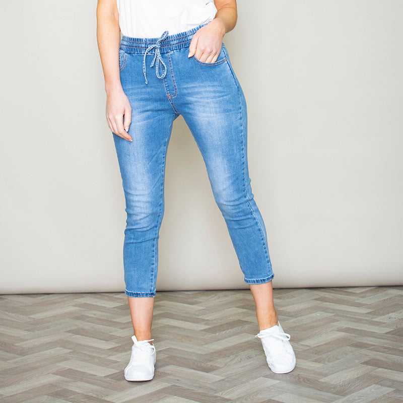 Lena Relaxed Crop Skinny Jean (Light Blue)