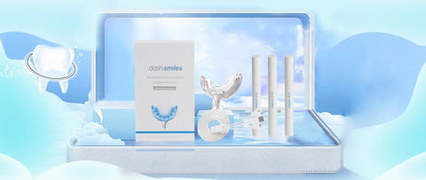 Dash Smiles Popular Teeth Whitening Phone Light Kit includes 30 treatments