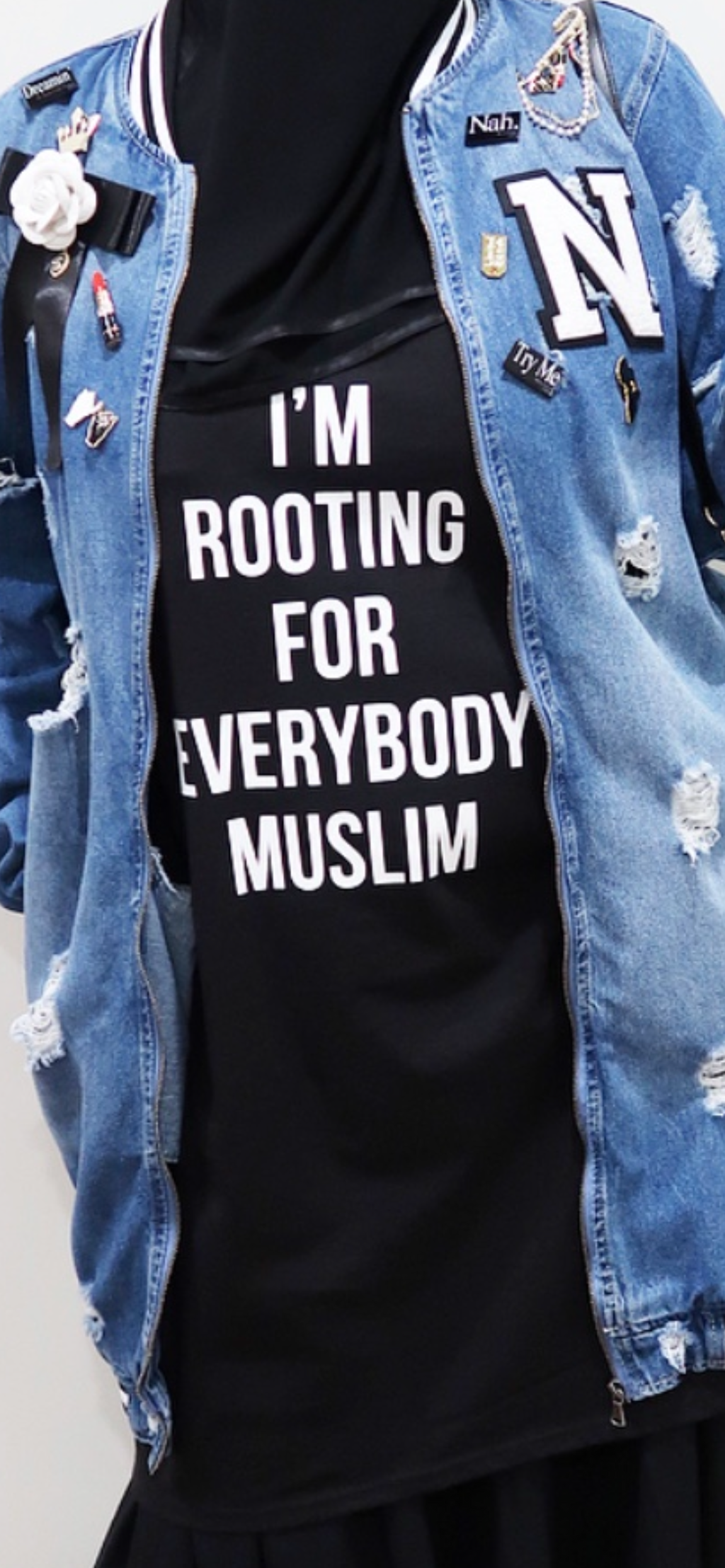 ROOTING FOR EVERYBODY MUSLIM Graphic Tee