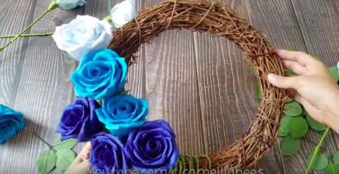 Blue-paper-rose-wreath-how-to-make