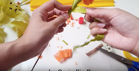 paper-Marigold-flower-craft-tutorial