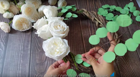 paper-rose-wreath-easy-to-make