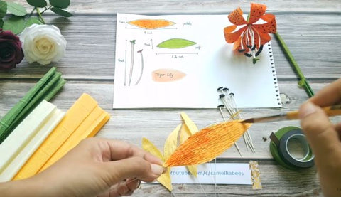 paper-tiger-lily-flower-easy-make