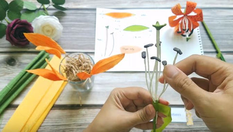 paper-tiger-lily-flower-how-to-do
