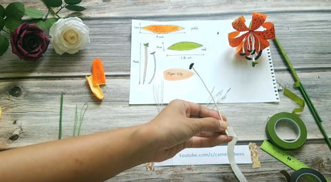 paper-tiger-lily-flower-tutorial