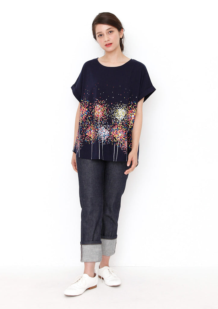 Back Button Round Neck Short Sleeve Tee B (Sparklers)