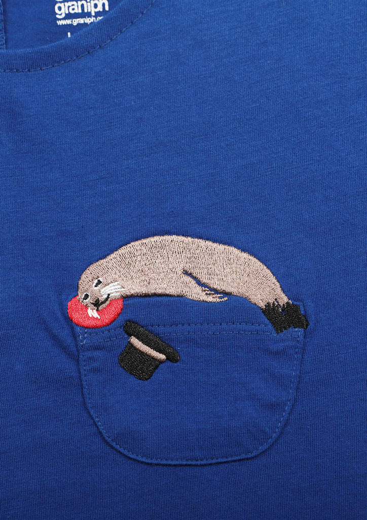 Back Button Pocket Tee (Sea lion Show)