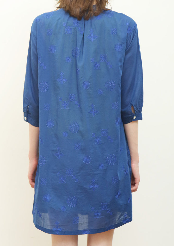 Embroidery Middle Sleeve Voile Shirt One-Piece B (Floral Tile)