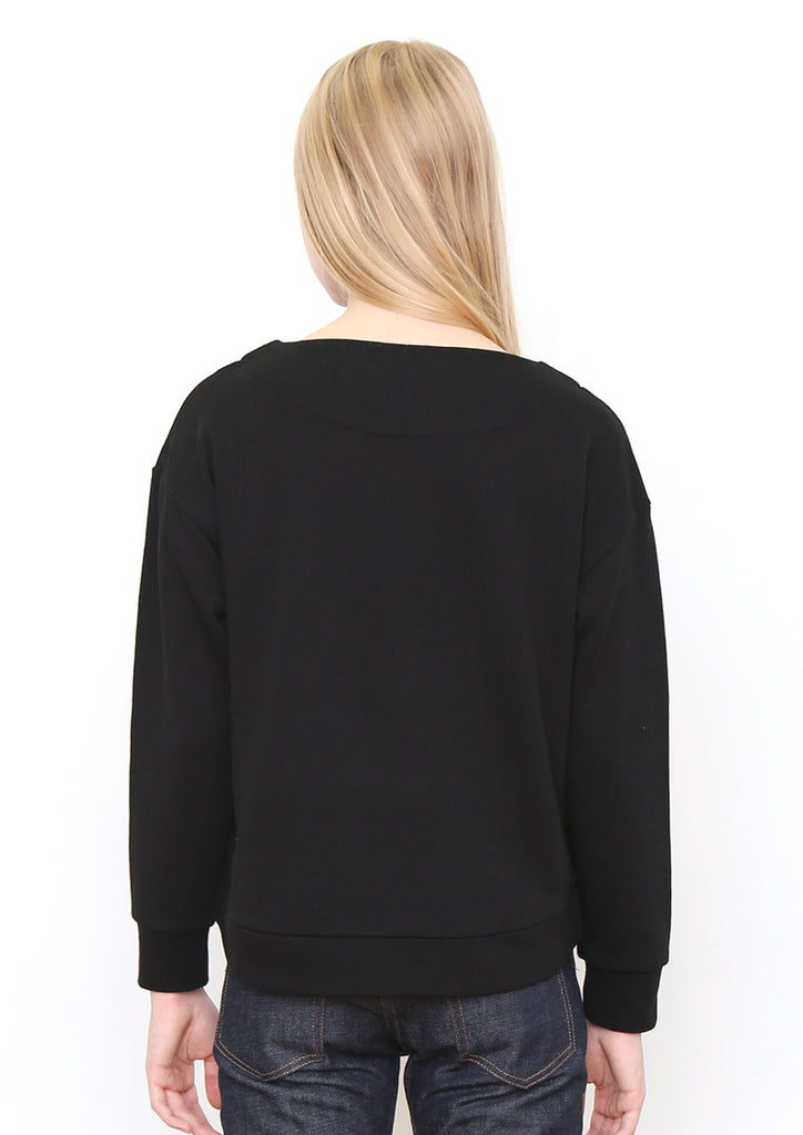 Boat Neck Long Sleeve Sweat Top (Dropping Necklace)