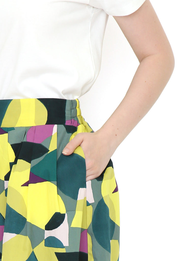 Broad Skirt (Geometric Light)
