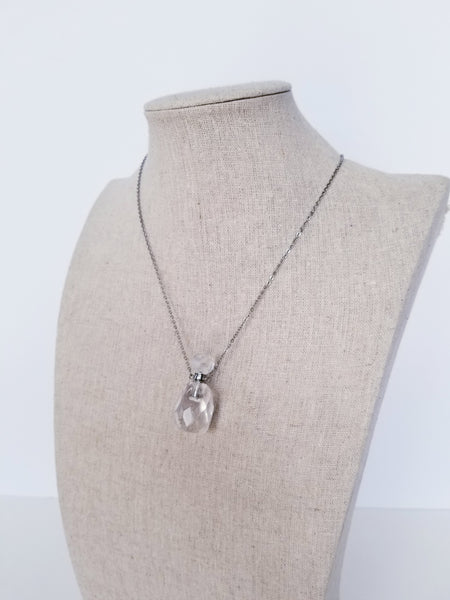 Quartz Crystal Necklace (Silver)