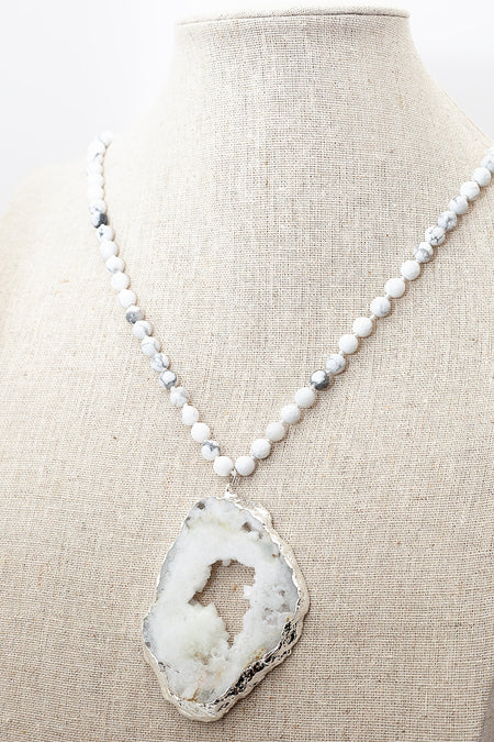Howlite White Faceted Necklace with Druzy Agate