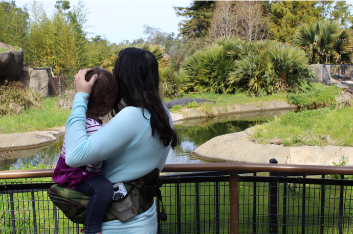 How to Carry Your Baby Without Hurting Your Back