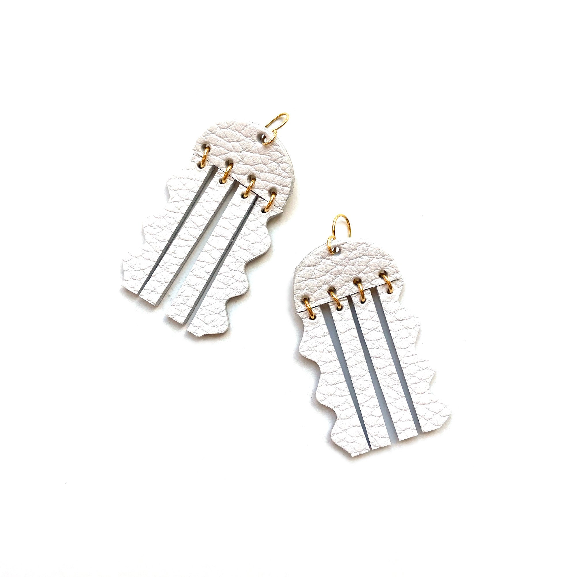 Jellyfish earrings by Two boss beads