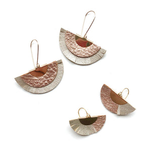 Fan earrings in rose gold leather