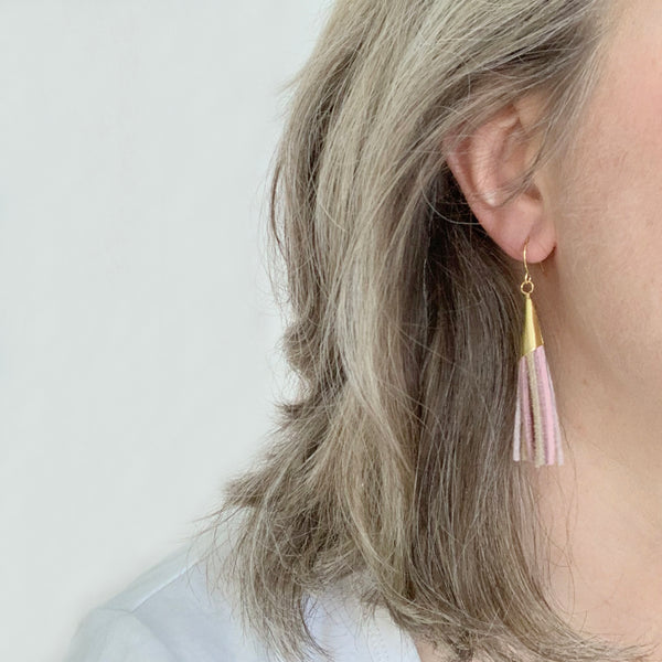 Tassel earrings in pink leather by Two boss beads