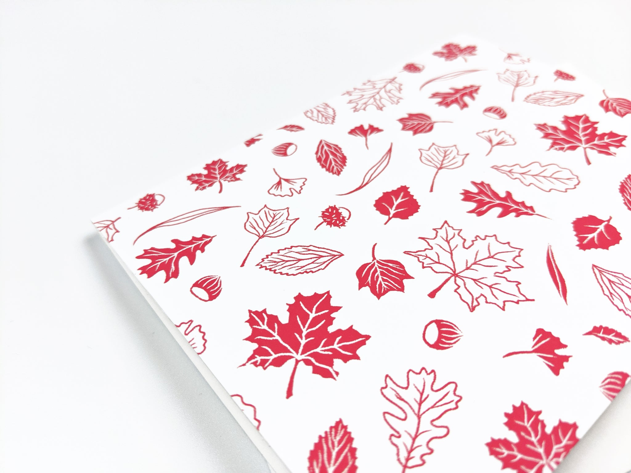 White & red leaves pattern - Holidays Card