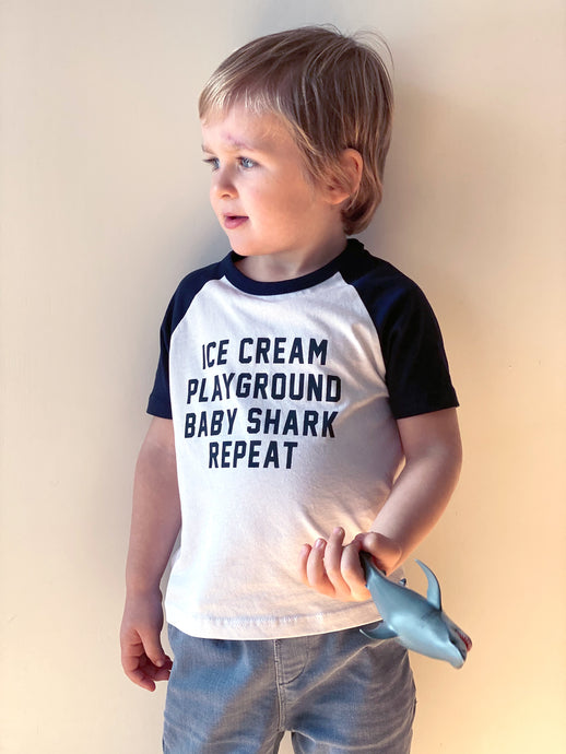 Camiseta Ice cream Playground Baby Shark Repeat