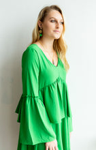 Load image into Gallery viewer, Emerald Green Bell-Sleeved Dress