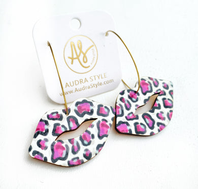 Big Lip Hoop - Cheetah Party Pink