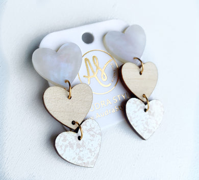 Sweethearts - Pearl White Wood Taupe Damask
