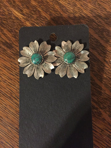Bobbie's flower earrings