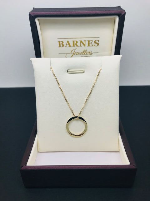 9ct gold circle pendant