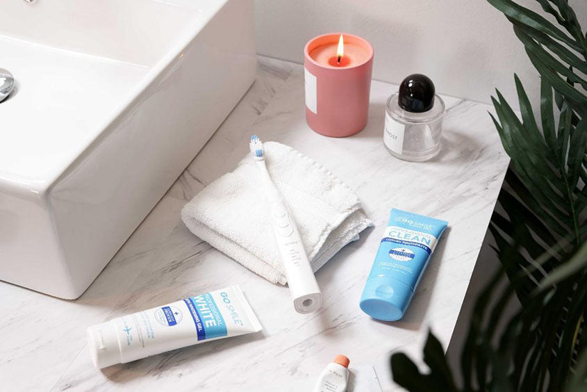 toothbrush with gosmile whitening products