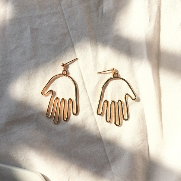 Abstract Stylish Hollow Out Face Dangle Earrings Girls Statement Drop Earrings