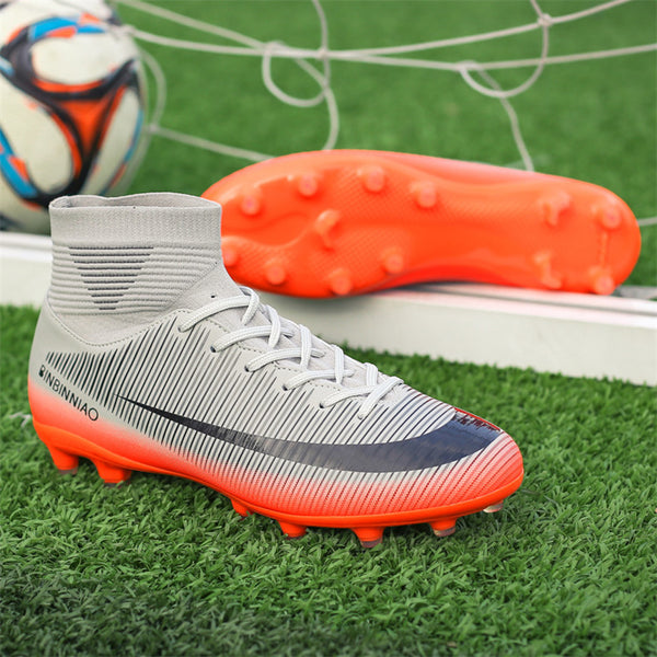 Long spike soccer shoes