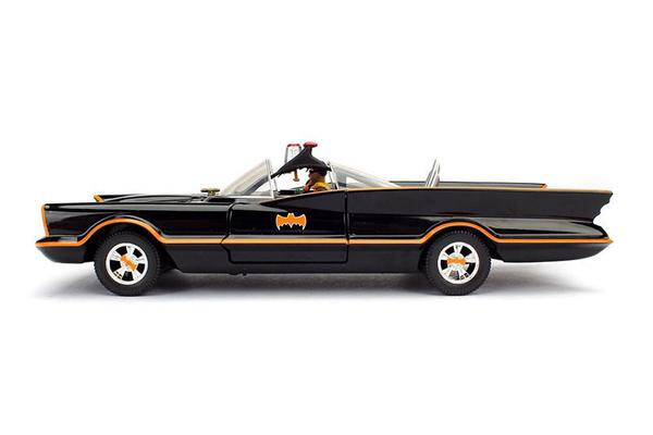 "The first generation Batmobile 1966 Batmobile(Contains the Batman model): 1/24"" SCALE DIECAST MODEL CAR  DC comic collection car"